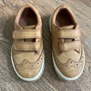Boys Oxford sneakers size 7